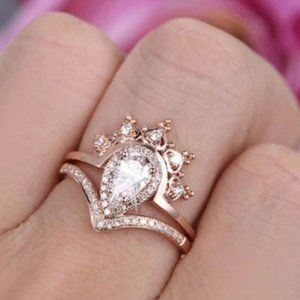 *18K Rose Gold Diamond Pear Cut Crown 2PC Ring Set